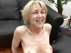 یک فاحشه پیر با انگشتانش واژن خود را کانال هایسکسی تلگرام کشید