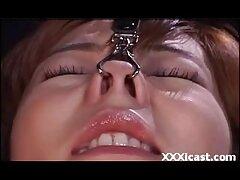 نورا ژاپنی عضویت در کانال تلگرام سکسی در شبکه های قرمز قرمز با یک شخص عوضی می کند