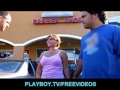 راننده به کانال تلگرام فیلم کوتاه سکسی زیبایی یک زن زرق و برق دار را در ماشین لعنتی کرد