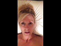 دو کانال گیف سکسی تلگرام جفت در رختخواب و اسباب بازی های جنسی مورد علاقه آنها