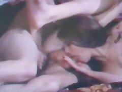 دانشجو کانال تلگرام سکسی خارجی دو شلخته به کلبه آورد و آنها را لیس زد