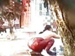 شخص جوراب شلواری را روی یک زن لاغر ژاپنی عضویت در کانال سکسی پاره کرد و آن را گیر داد