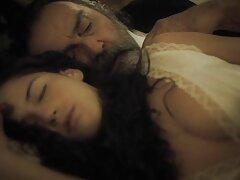 پرستار به یک بیمار تختخواب گیف عاشقانه سکسی صبحگاهی داد