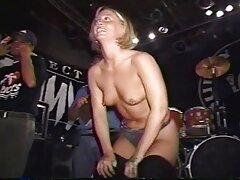 راننده چتکده سکسی تاکسی جعلی را در دهان دختر قرار داد