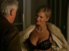 ژیمناست فریبنده گیف عاشقانه سکسی روسی در خانه با گل میخ خود رابطه جنسی برقرار کرد